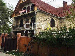 Se vinde casa Chișinău, Centru 1200 m