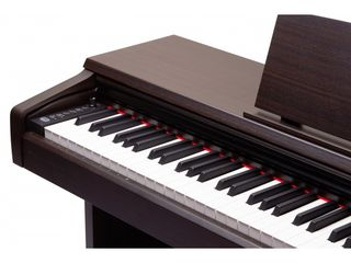 Bысококачественное цифровое пианино для музыкантов любого уровня / Pian digital