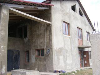 Urgent! Se vinde casa în s. Cruzeşti, mun. Chişinău