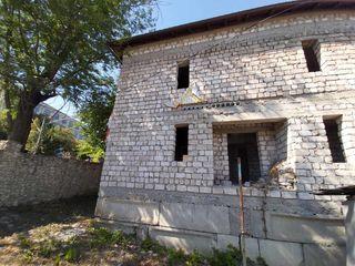 Vinzare casă nefinisată 2 nivele +Mansardă Orhei-CENTRU str.Vasile Lupu