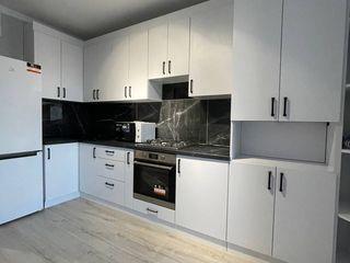 Se vinde apartament cu o camera si living in bloc nou