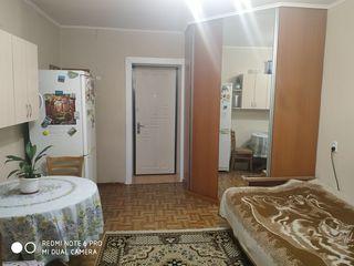 Срочно продается!  Комната в общежитии. М.Драган