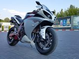 "Yamaha R1 ""Big Bang""."