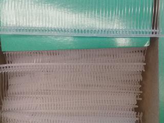 Пластиковые держатели для крепления бирок.