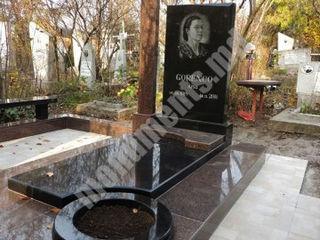 Monumente funerare din granit - rezistenta in timp - Monumente Premium