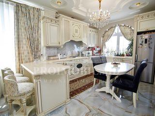 Telecentru! casă de lux în stil clasic! 2 nivele 245 mp + 6 ari!