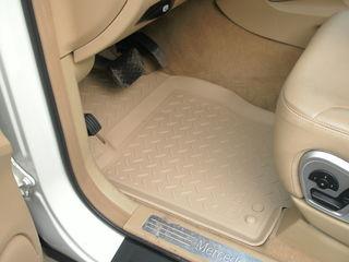 """Cel mai bun dintre cele mai bune covorase auto din poliuretan""""Unidec"""". Protectia motor din metal"""