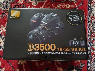 Vînd aparat foto Nikon D3500 nou