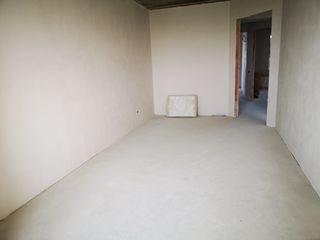 Vand apartament cu 3 camere. com. Tohatin