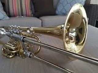 Holton the double trombone tr 395.