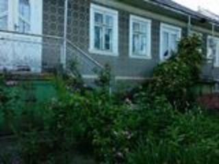 Vand casa in satul Lozova pe Dealul Morii. Pret negociabil.