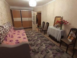 Vind apartament 1 cameră, euroreparație, toată mobila și tehnica nouă - or.Drochia