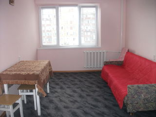 Camera in sectie 19 m. cu 5 familii, reparatie, baiea si viceul la 2 familii 80 $