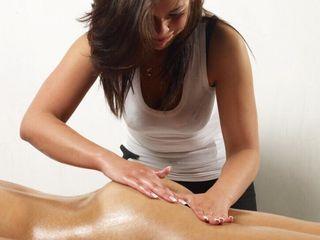 Приятный  сеанс расслабляющего массажа.