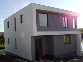 Casa sti hi-tech  160 m 45000. euro 7km de chisinau