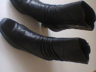 Сапоги зимние 38-39р, чёрные кожаные.
