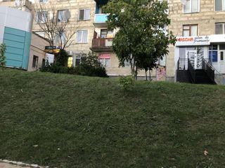 Se vinde in centru pent-ru a deschide o afacere. posibil schimb pe auto + euro... propuneti
