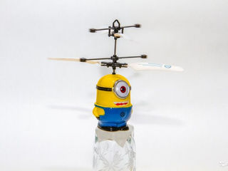 Игрушка вертолет миньон без пульта Гадкий я 2