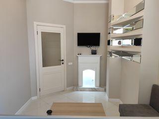Se oferă spre chirie pe str. Lev Tolstoi, 74 apartament cu o odaie  în bloc nou, sectorul centru.
