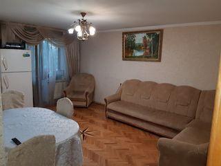 Telecentru! Apartament 2 odai + living 70 mp, euroreparatie, mobilat, str. Lapusnei