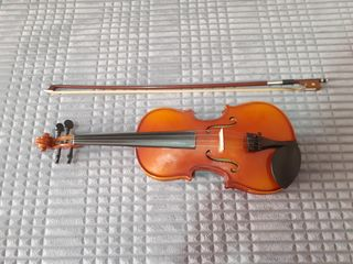 Se vinde vioară 2/4