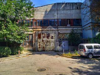 Chirie Spațiu Comercial 12000 mp, Sculeni str. Calea Ieșilor, 14400 €