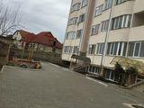 Vind apartament in Centru Ialoveniului. Negociabil. Bloc nou! Urgent!!