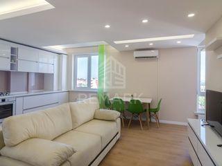 Chirie  Apartament cu 3 odăi, Centru,  str. Melestiu, 500 €