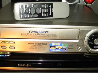 Пишущий видеоплеер Panasonic NV-FJ8 Hi-Fi Stereo с пультом и паспортом.