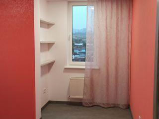 Apartament cu living mare si doua dormitoare, mobilat