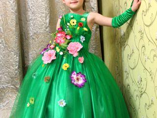 Pentru matineu de 8 martie chiria rochițelor la Buiucani