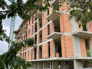 Apartamente  595€ m2