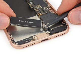 Iphone не заряжается телефон? - в тот же день заберём, починим, привезём !!!