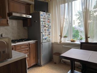 Se vinde apartament  cu 3 odăi, in orasul Hincesti