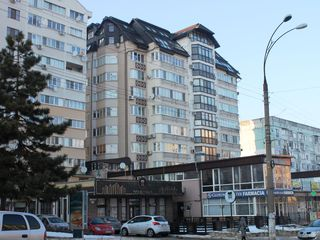 Cuza Voda, etajul 4, Bloc nou, Reparatie, Podea calda, Ascensor