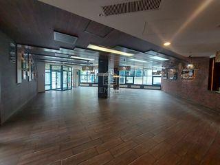 Se dă în chirie spațiu comercial amplasat la parterul centrului de afaceri Sky Tower în sect. Centru