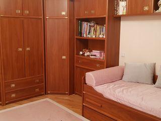срочно продаю мебель для подростковой комнаты и кабинета