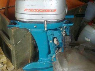 Лодочный мотор вихрь 20 м , стартер ручной , мощность 20 л/c , 4000 лей