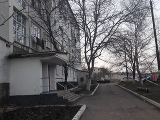 Urgent!!! apartament in ialoveni,et 4 din 5, mijloc,reparatie. pret 17900 euro.