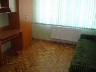 Buiucani, apartament cu o odaie, mobilat, reparatie buna-  100 euro- urgent