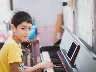 Pian pentru elevii școlilor muzicale .Achizitionati acum-plătiți mai târziu.Cumpara in rate 0%.