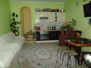 2-эт. котельцовый дом, 115м2, на 3 сотках земли, в центре Ставчен, ул. Miorita 42