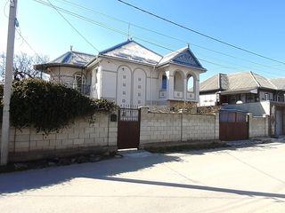 Жилой дом в центральном районе сектора частных домов.