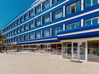 De închiriat: oficii, spații comerciale și industriale.
