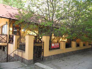 Продается действующий бизнес ресторан с залом для торжеств 385кв.м. на Чеканы