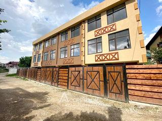Townhouse în 3 nivele! Durlești, str. Păcii, 4 camere + living! Variantă albă!