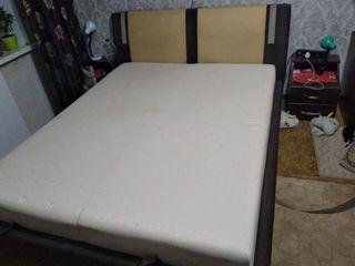 Продам кровать в хорошем состоянии(самовывоз)