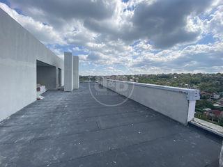 Penthouse cu suprafața generoasă + terasă Variantă albă 650 euro