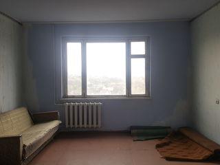 De vinzare apartament cu o odaie, 143 seria 15 Mcr., Cahul