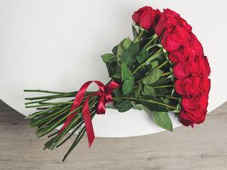 Super ofertă! Trandafiri rosii 60 cm la super pret, de la 20 lei